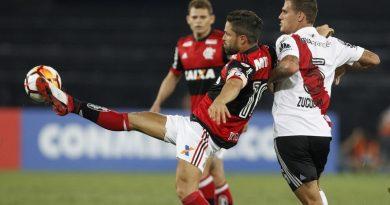 Diego durant le match de Flamengo contre River Plate